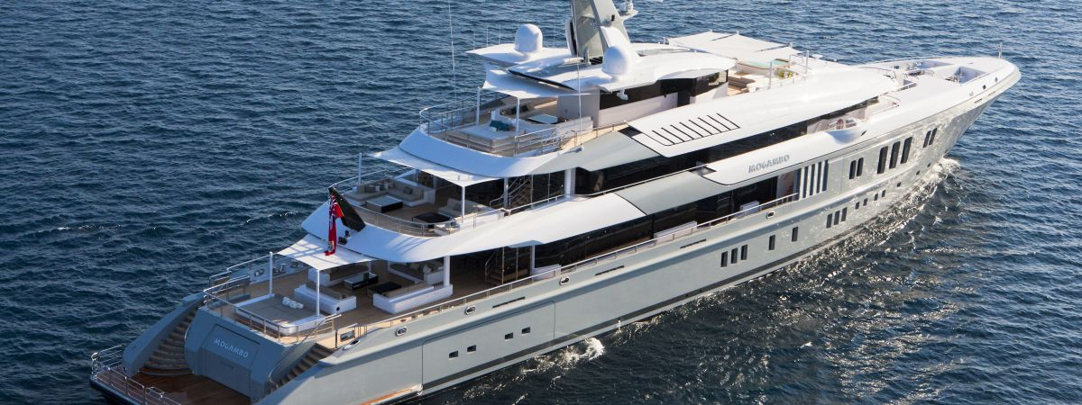 Shading System on a motor yacht
